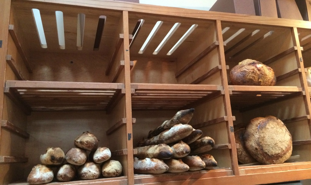 Le Marais bread shelves